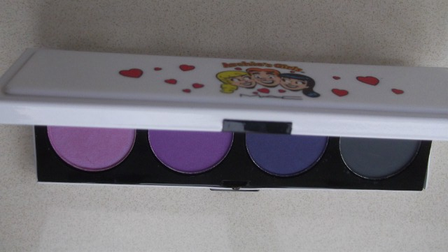 Archie's Girls Eye Shadow Palette in Spoiled Rich