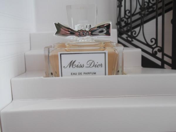 Miss Dior Miniature Close Up