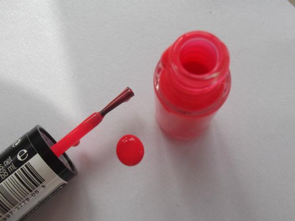 Revlon Neon Nail Art Pen in Pink Glow