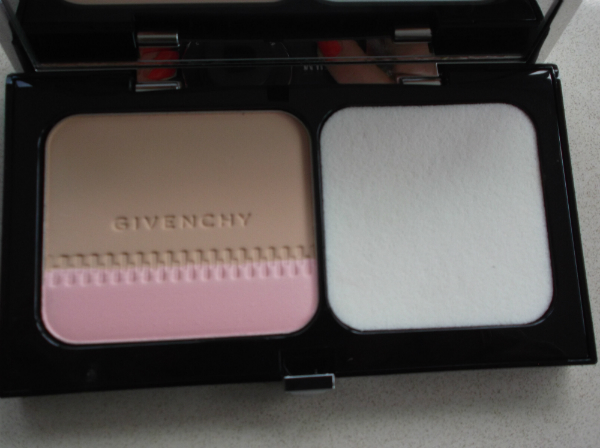 Givenchy Compact Foundation 2