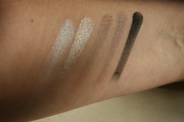 Rimmel London Foggy Grey Swatch