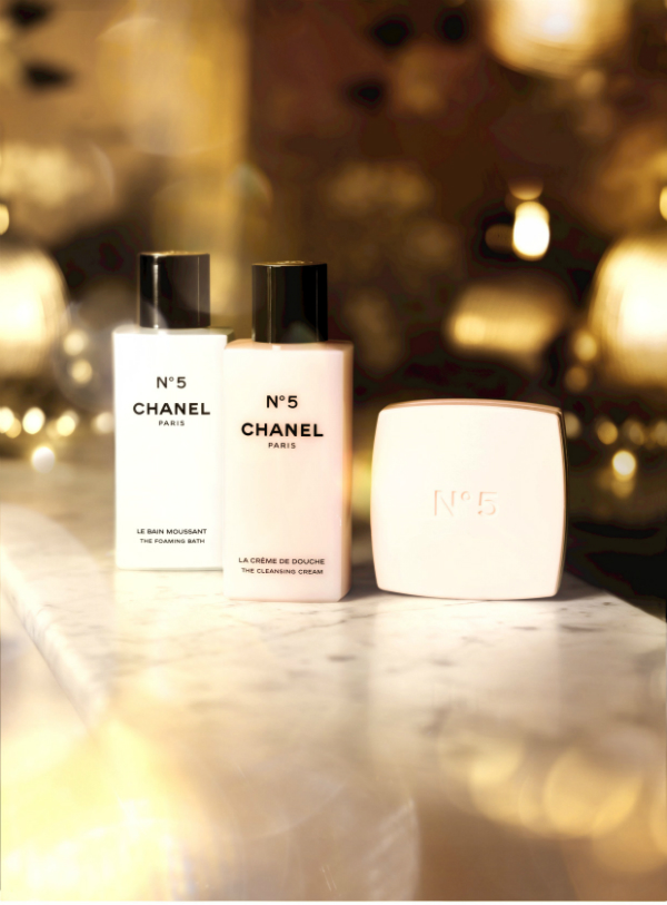 Chanel No.5 Christmas