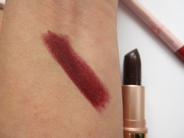 MAC Rihanna Talk That Talk Swatch