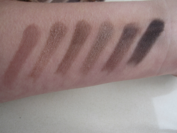 UD Naked 3 Swatch 2