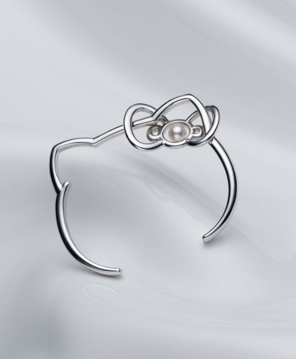Hello Kitty Mikimoto