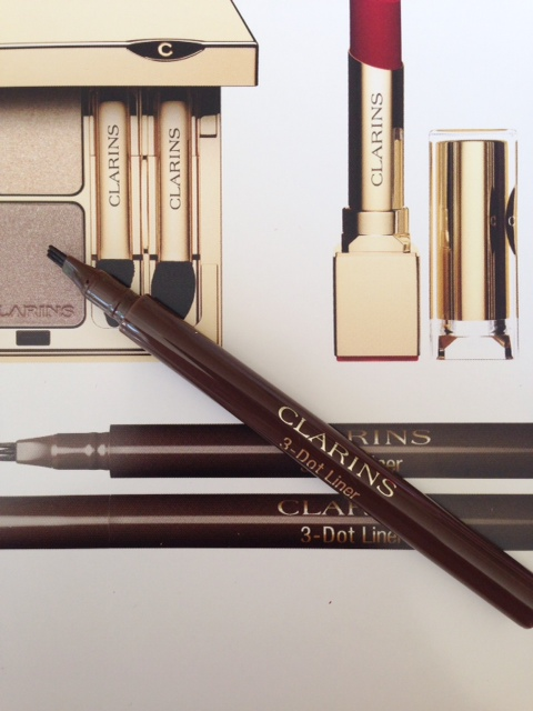 Clarins 3 Dot Liner