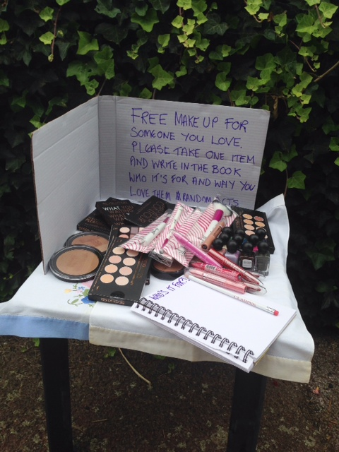 Free Beauty Table