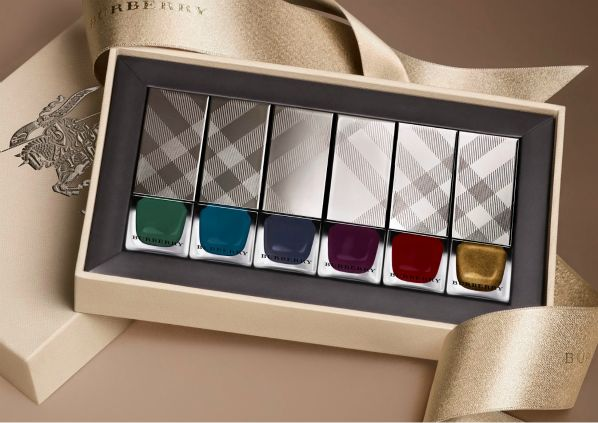 Burberry Nails A/W