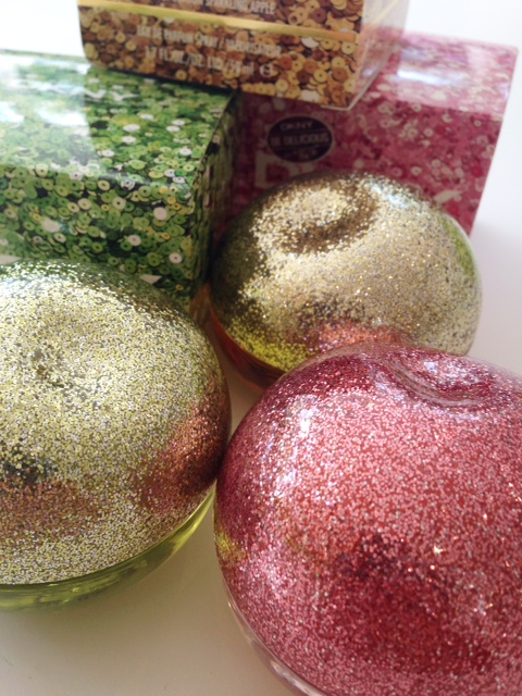 DKNY Sparkling Apples