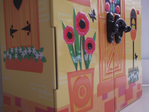 Anna Sui House Tin Detail