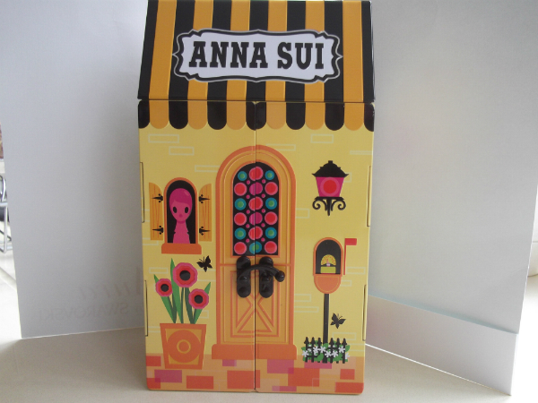 Anna Sui Tin House