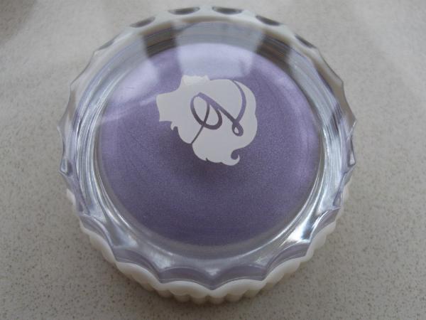 Benefit Creaseless Cream Shadow