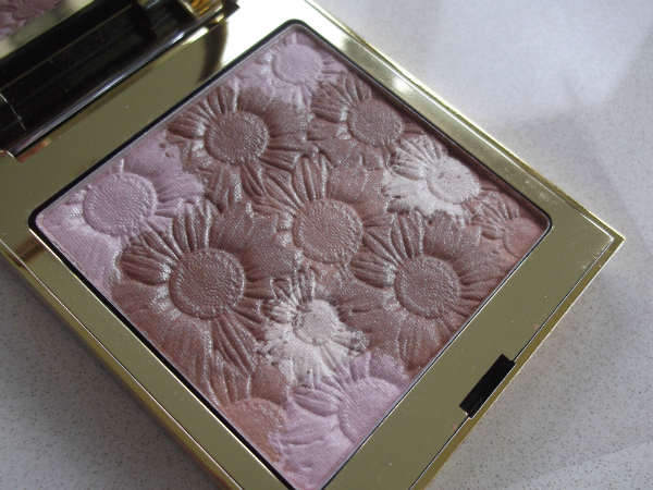 Elizabeth Arden New York In Bloom Bronzing Powder Open