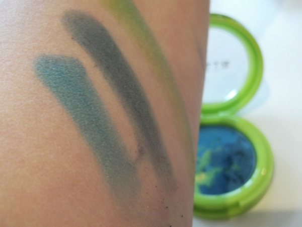 Stila Festival of Light Light Show Swatch