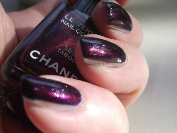Chanel Taboo Swatch 1