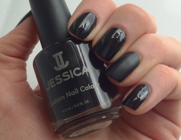Jessica Black Beauties Feature Nail