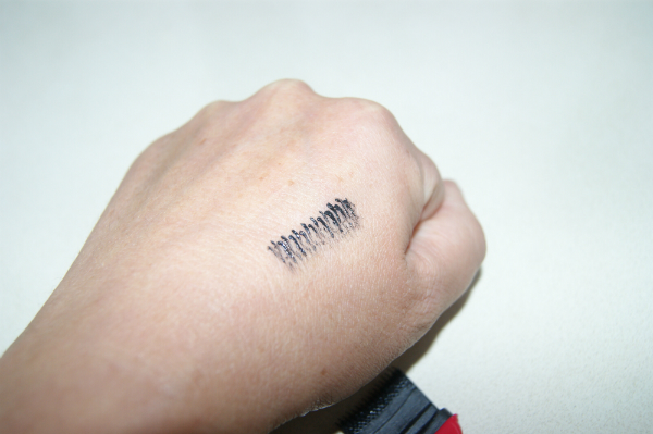 Avon Mascara Swatch