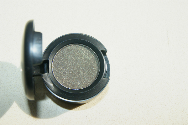 MAC Shadow Swatch