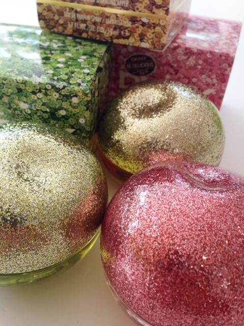DKNY Sparkling Apples